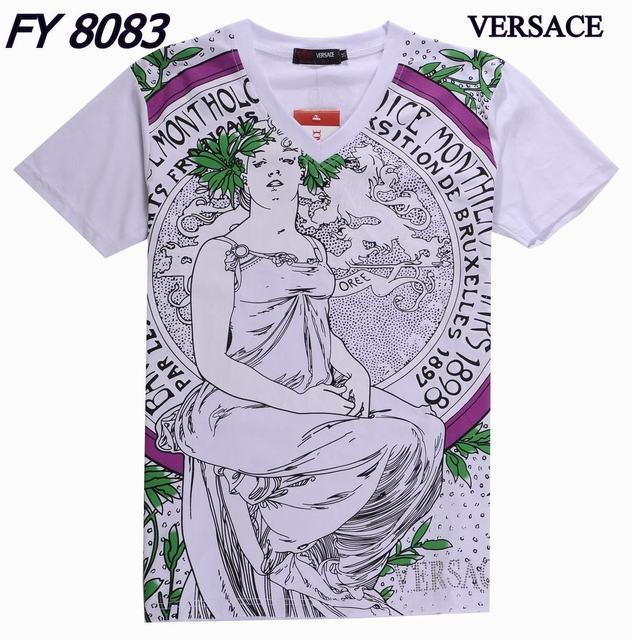 Un rétro pour le pull versace collection Rose - eveil-musical ... 93990b87a69